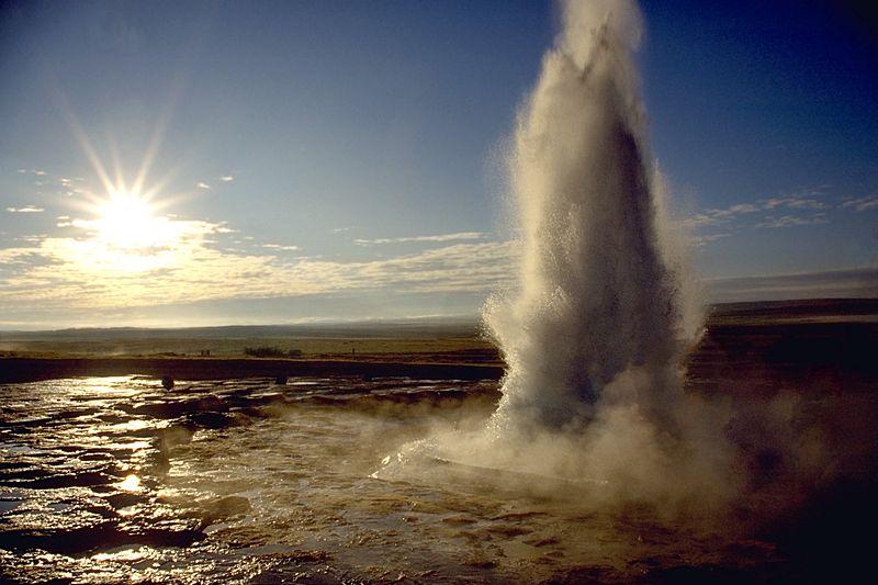 Картинки по запросу гейзер исландия
